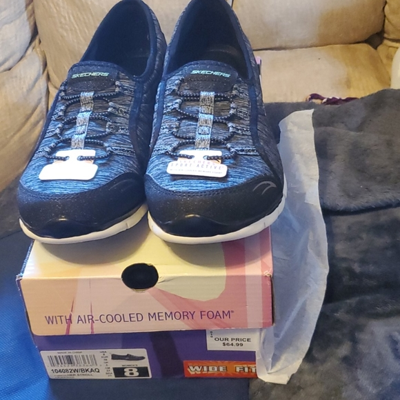 Womens Skechers 8 Wide Fit Aircooled